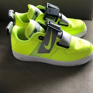 Nike Shoes - NIKE neon Af1